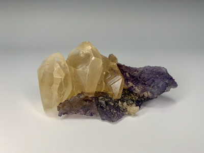 Calcite on Fluorite from Denton Mine, Harris Creek District, Southern Illinois USA [db_pics/ZowaderUpdates/DZ1601b.jpg]