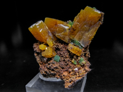 Wulfenite & Mimetite from Ojuela Mine, Mapimi, Durango, Mexico [db_pics/update3/ML00014.jpg]