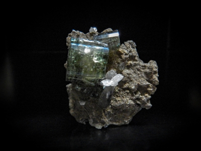 Fluorapatite, Calcite & Tourmaline from Panasqueira, Portugal [db_pics/update3/ML00024a.jpg]