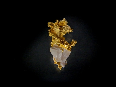 Gold from Eagles Nest Mine, Placer County, California, USA [db_pics/update3/ML00039.jpg]