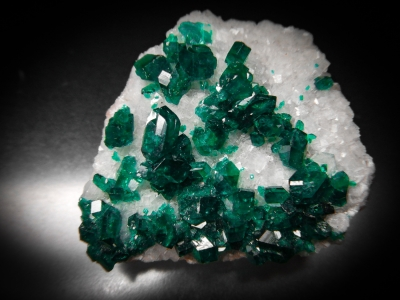 Dioptase on Calcite from Tsumeb Mine, Tsumeb, Namibia [db_pics/update3/ML00069.jpg]