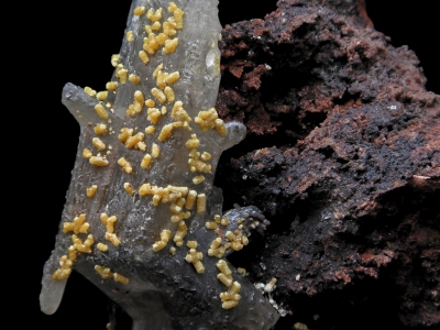 Mimetite on Cerussite from Tsumeb Mine, Tsumeb, Namibia [db_pics/update3/ML00124b.jpg]