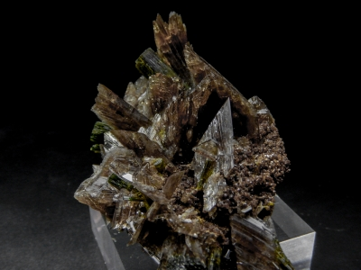 Ferro-Axinite & Epidote from Canta, Canta Province, Lima Department, Peru [db_pics/update4/ML00130b.jpg]
