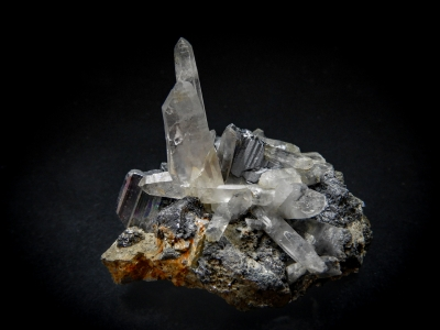 Quartz (Japan Law Twin) on Bournonite from Yaogangxian Mine, Chenzhou Prefecture, Hunan Province, China [db_pics/update5/ML00315a.jpg]