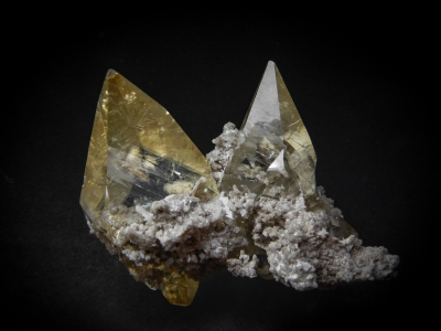 Calcite from Elmwood Mine, Smith County, Tennessee, USA [db_pics/update6/ML00412a.jpg]