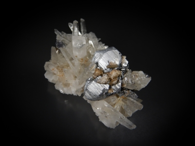 Bournonite & Quartz from Yaogangxian Mine, Chenzhou Prefecture, Hunan Province, China [db_pics/update7/ML00575c.jpg]
