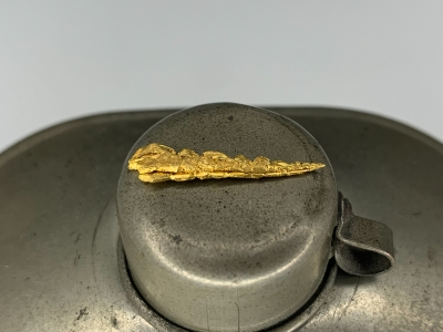 Gold from Undisclosed mine near Guelmim, Guelmim-Oued Noun Region, Morocco [db_pics/update7/ML00702b.jpg]