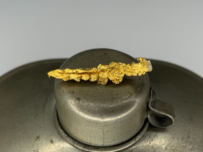 Gold from Undisclosed mine near Guelmim, Guelmim-Oued Noun Region, Morocco [db_pics/update7/ML00703a.jpg]