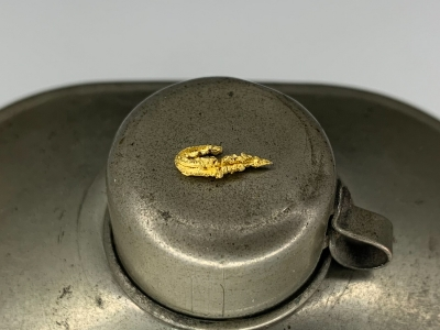 Gold from Undisclosed mine near Guelmim, Guelmim-Oued Noun Region, Morocco [db_pics/update7/ML00704c.jpg]