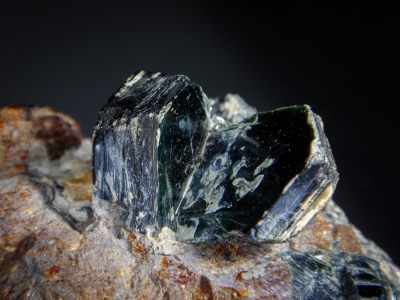 Clinochlore from Tilly Foster Mine, Brewster, New York USA [db_pics/zowater/DZ1303c.jpg]