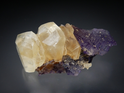 Calcite on Fluorite from Denton Mine, Harris Creek District, Southern Illinois USA [db_pics/zowater/DZ1601a.jpg]