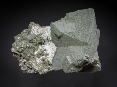 Orthoclase & Chlorite from St. Gotthard, Lepontine Alps, Ticino, Switzerland [db_pics/zowater/DZ3205a.jpg]