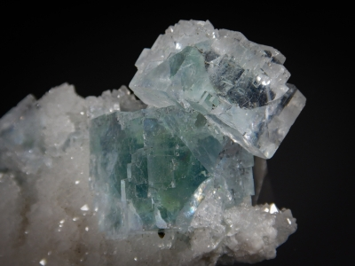 Fluorite on Quartz from Asturias, Spain [db_pics/zowater/DZ3210b.jpg]