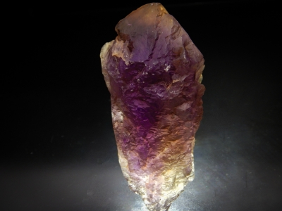Quartz var. Ametrine from Anahi Mine, La Gaiba mining district, Sandoval Province, Santa Cruz, Bolivia [db_pics/zowater/DZ4210c.jpg]