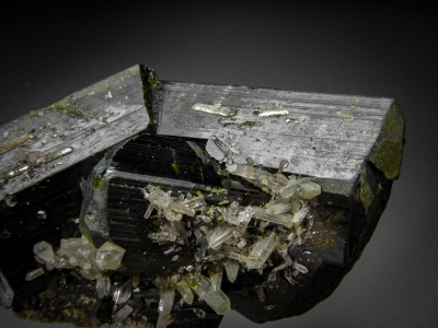 Epidote from Green Monster Mountain, Prince of Wales Island, Alaska USA [db_pics/zowater/DZ4301b.jpg]